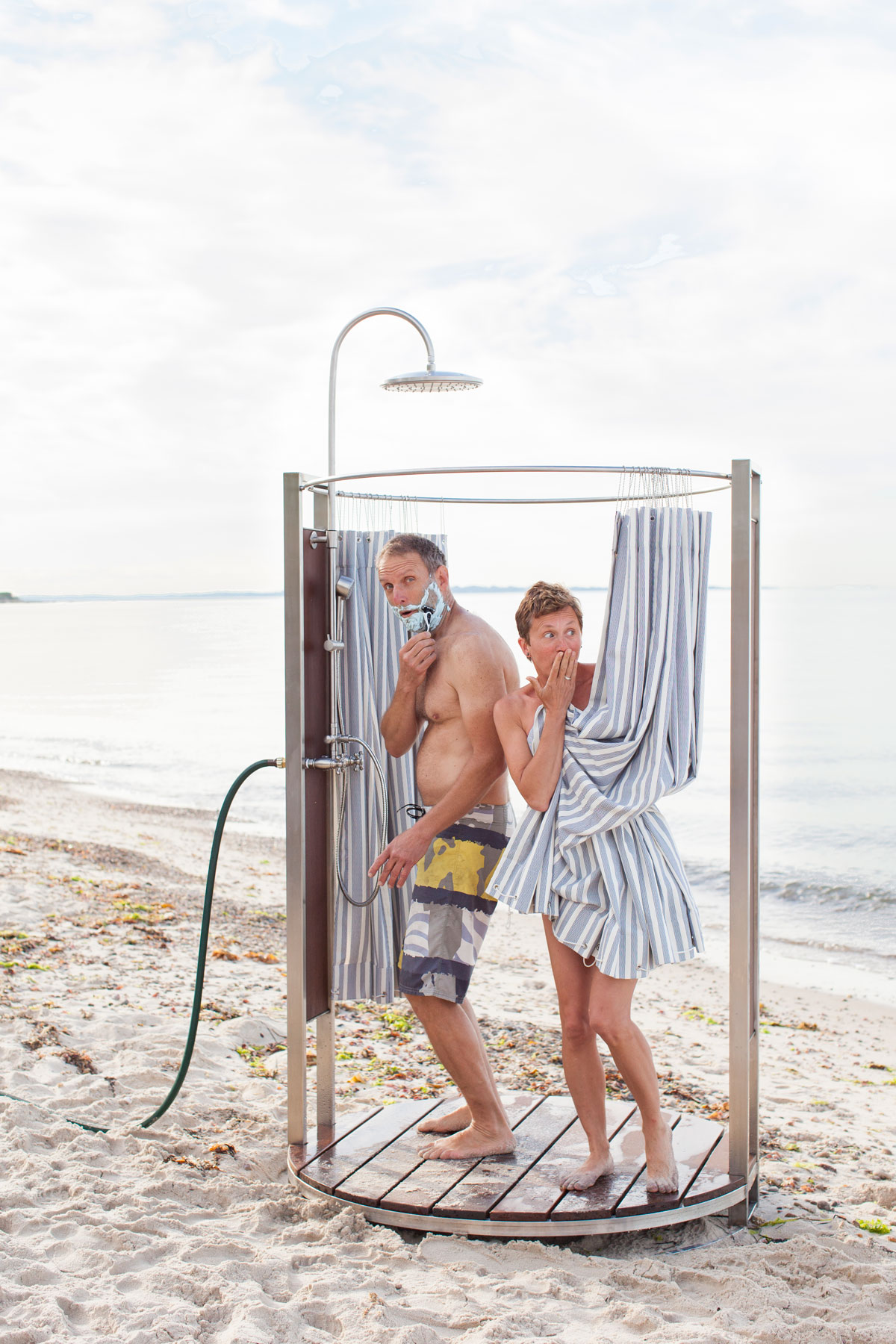lifestyle_OutdoorShower_Oborain_LynneGraves